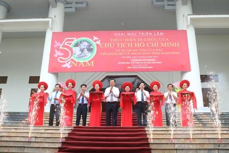 """Khai mạc triển lãm trưng bày chuyên đề """"50 năm thực hiện Di chúc  của Chủ tịch Hồ Chí Minh và sự quan tâm của Bác  với Đảng bộ và nhân dân tỉnh Nam Định"""""""