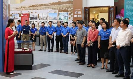 """Nam Định tổ chức trưng bày chuyên đề: """"Bác Hồ với Đảng bộ và Nhân dân Nam Định"""""""